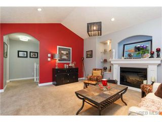 Photo 3: 973 Jenkins Ave in VICTORIA: La Langford Proper Single Family Detached for sale (Langford)  : MLS®# 730721