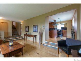 Photo 3: 683 Knowles Avenue in Winnipeg: North Kildonan Residential for sale (North East Winnipeg)  : MLS®# 1612016