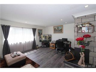 Photo 3: 2272 Gail Pl in SIDNEY: Si Sidney South-East Single Family Detached for sale (Sidney)  : MLS®# 734823