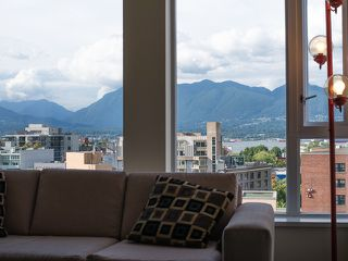 "Photo 3: 1205 550 TAYLOR Street in Vancouver: Downtown VW Condo for sale in ""The Taylor"" (Vancouver West)  : MLS®# R2093056"