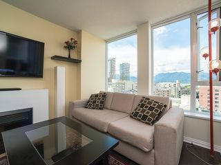 "Photo 2: 1205 550 TAYLOR Street in Vancouver: Downtown VW Condo for sale in ""The Taylor"" (Vancouver West)  : MLS®# R2093056"