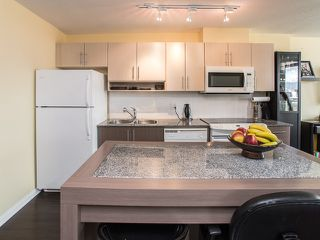 "Photo 6: 1205 550 TAYLOR Street in Vancouver: Downtown VW Condo for sale in ""The Taylor"" (Vancouver West)  : MLS®# R2093056"