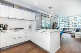 "Photo 9: 712 108 E 1ST Avenue in Vancouver: Mount Pleasant VE Townhouse for sale in ""Meccanica"" (Vancouver East)  : MLS®# R2126481"