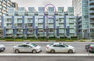 """Photo 1: 712 108 E 1ST Avenue in Vancouver: Mount Pleasant VE Townhouse for sale in """"Meccanica"""" (Vancouver East)  : MLS®# R2126481"""