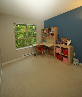 """Photo 12: 302 2966 SILVER SPRINGS BLV Boulevard in Coquitlam: Westwood Plateau Condo for sale in """"TAMARISK"""" : MLS®# R2171293"""