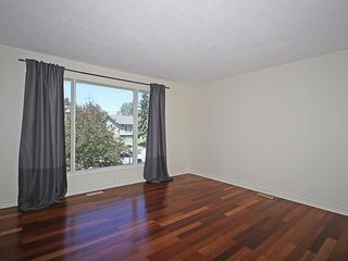 Photo 3: 7814 21A Street SE in Calgary: Ogden House for sale : MLS®# C4123877