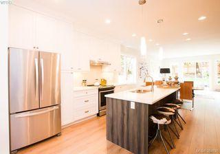 Photo 4: 1277 Walnut St in VICTORIA: Vi Fernwood Half Duplex for sale (Victoria)  : MLS®# 773114