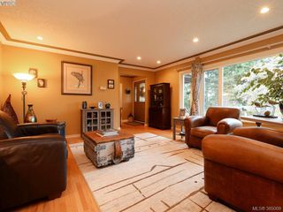 Photo 3: 5450 Alderley Road in VICTORIA: SE Cordova Bay Single Family Detached for sale (Saanich East)  : MLS®# 385009