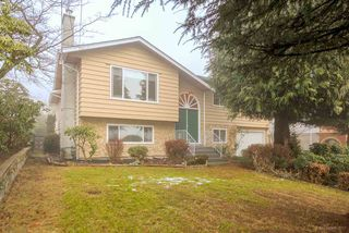 Photo 1: 2297 KUGLER Avenue in Coquitlam: Central Coquitlam House for sale : MLS®# R2230628