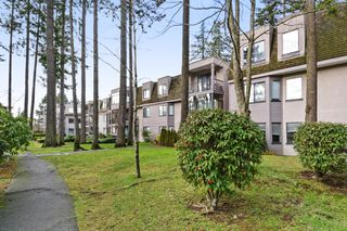 "Photo 20: 208 1740 SOUTHMERE Crescent in Surrey: Sunnyside Park Surrey Condo for sale in ""CAPSTAN WAY"" (South Surrey White Rock)  : MLS®# R2234787"