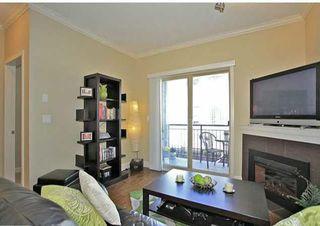 Photo 2: 202 15268 18 Avenue in Surrey: King George Corridor Condo for sale (South Surrey White Rock)  : MLS®# R2239112