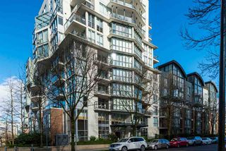 "Photo 17: 308 1425 W 6TH Avenue in Vancouver: False Creek Condo for sale in ""MODENA OF PORTICA"" (Vancouver West)  : MLS®# R2240183"