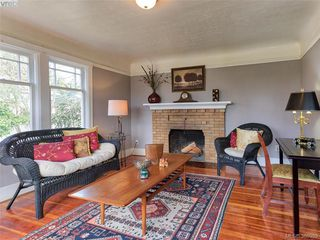 Photo 2: 4101 Glanford Avenue in VICTORIA: SW Glanford Single Family Detached for sale (Saanich West)  : MLS®# 388989