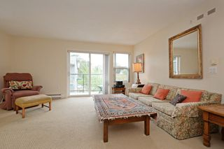 Photo 2: 301 1485 Garnet Road in VICTORIA: SE Cedar Hill Condo Apartment for sale (Saanich East)  : MLS®# 393873
