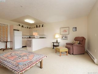 Photo 2: 301 1485 Garnet Rd in VICTORIA: SE Cedar Hill Condo for sale (Saanich East)  : MLS®# 789659