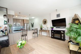 "Photo 6: B305 20211 66 Avenue in Langley: Willoughby Heights Condo for sale in ""Elements"" : MLS®# R2304901"