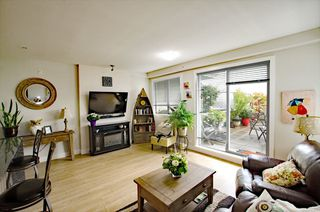 "Photo 5: B305 20211 66 Avenue in Langley: Willoughby Heights Condo for sale in ""Elements"" : MLS®# R2304901"