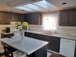 "Photo 2: 98 1840 160 Street in Surrey: King George Corridor Manufactured Home for sale in ""Breakaway Bays"" (South Surrey White Rock)  : MLS®# R2312911"