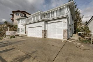 """Photo 15: 2271 MOUNTAIN Drive in Abbotsford: Abbotsford East House for sale in """"Mountain Village"""" : MLS®# R2320034"""