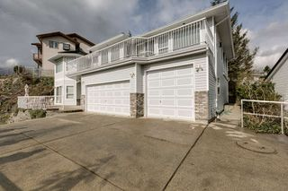 Photo 2: Abbotsford House for Sale 2271 Mountain Drive $774,900 5 Bedrooms 4 Bathrooms Basement Entry