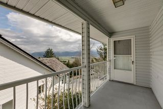 """Photo 9: 2271 MOUNTAIN Drive in Abbotsford: Abbotsford East House for sale in """"Mountain Village"""" : MLS®# R2320034"""