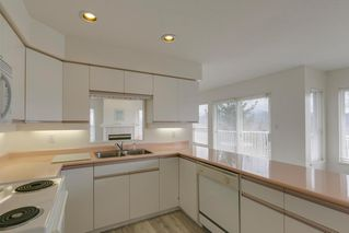 """Photo 6: 2271 MOUNTAIN Drive in Abbotsford: Abbotsford East House for sale in """"Mountain Village"""" : MLS®# R2320034"""