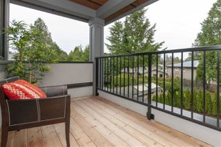 Photo 17: 14540 18 Avenue in Surrey: Sunnyside Park Surrey House for sale (South Surrey White Rock)  : MLS®# R2323272