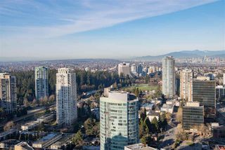 "Photo 11: 3907 4670 ASSEMBLY Way in Burnaby: Metrotown Condo for sale in ""STATION SQUARE 2"" (Burnaby South)  : MLS®# R2332808"
