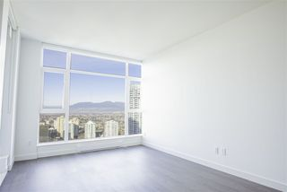 "Photo 4: 3907 4670 ASSEMBLY Way in Burnaby: Metrotown Condo for sale in ""STATION SQUARE 2"" (Burnaby South)  : MLS®# R2332808"