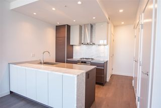 "Photo 8: 3907 4670 ASSEMBLY Way in Burnaby: Metrotown Condo for sale in ""STATION SQUARE 2"" (Burnaby South)  : MLS®# R2332808"