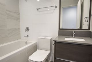 "Photo 5: 3907 4670 ASSEMBLY Way in Burnaby: Metrotown Condo for sale in ""STATION SQUARE 2"" (Burnaby South)  : MLS®# R2332808"