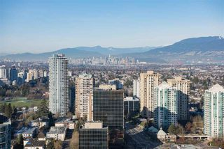"Photo 1: 3907 4670 ASSEMBLY Way in Burnaby: Metrotown Condo for sale in ""STATION SQUARE 2"" (Burnaby South)  : MLS®# R2332808"