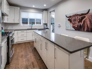 Photo 10: 9520 70 Avenue in Edmonton: Zone 17 House for sale : MLS®# E4147396
