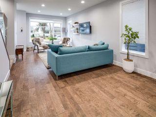 Photo 5: 9520 70 Avenue in Edmonton: Zone 17 House for sale : MLS®# E4147396