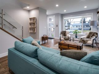 Photo 4: 9520 70 Avenue in Edmonton: Zone 17 House for sale : MLS®# E4147396