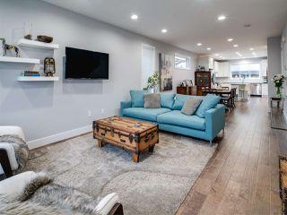 Photo 3: 9520 70 Avenue in Edmonton: Zone 17 House for sale : MLS®# E4147396