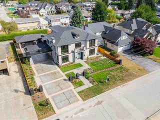 Photo 19: 825 LILLIAN Street in Coquitlam: Harbour Chines House for sale : MLS®# R2354674