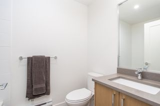 """Photo 17: 24 2427 164 Street in Surrey: Grandview Surrey Townhouse for sale in """"THE SMITH"""" (South Surrey White Rock)  : MLS®# R2360019"""