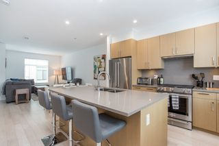 """Photo 3: 24 2427 164 Street in Surrey: Grandview Surrey Townhouse for sale in """"THE SMITH"""" (South Surrey White Rock)  : MLS®# R2360019"""
