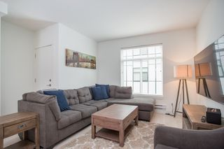 """Photo 8: 24 2427 164 Street in Surrey: Grandview Surrey Townhouse for sale in """"THE SMITH"""" (South Surrey White Rock)  : MLS®# R2360019"""