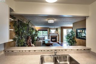 Photo 18: 206 1025 Meares St in VICTORIA: Vi Downtown Condo for sale (Victoria)  : MLS®# 814755