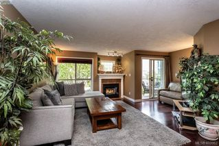 Photo 8: 206 1025 Meares St in VICTORIA: Vi Downtown Condo for sale (Victoria)  : MLS®# 814755