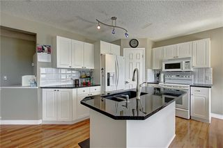 Photo 4: 255 CHAPALINA Place SE in Calgary: Chaparral Detached for sale : MLS®# C4253345