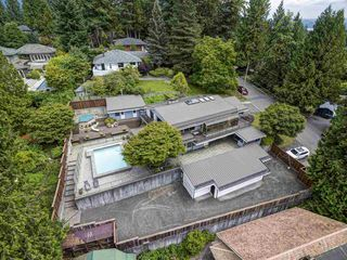 Photo 5: 554 E KINGS Road in North Vancouver: Upper Lonsdale House for sale : MLS®# R2387659