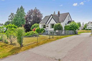 "Main Photo: 5691 156 Street in Surrey: Sullivan Station House for sale in ""Sullivan"" : MLS®# R2389451"
