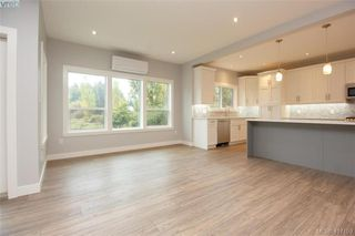 Photo 9: 1037 Sandalwood Court in VICTORIA: La Luxton Single Family Detached for sale (Langford)  : MLS®# 417159