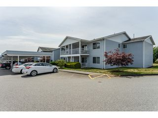"Photo 1: 211 32691 GARIBALDI Drive in Abbotsford: Abbotsford West Townhouse for sale in ""CARRIAGE LANE"" : MLS®# R2418995"