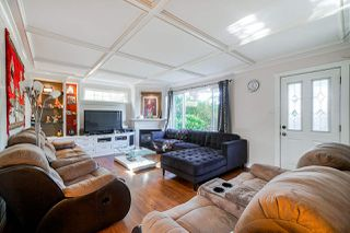 Photo 3: 14140 NORTH BLUFF Road: White Rock House for sale (South Surrey White Rock)  : MLS®# R2435332