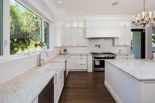 Photo 22: 2810 Lansdowne Rd in Oak Bay: OB Uplands Single Family Detached for sale : MLS®# 843887