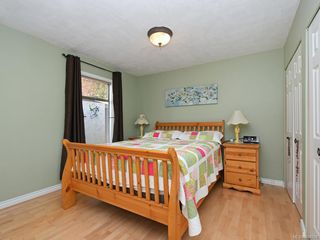 Photo 13: 247 Stormont Rd in View Royal: VR View Royal House for sale : MLS®# 844094